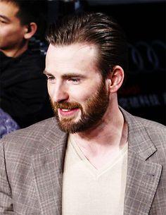 chris evans beard : Photo