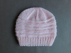Another simple but effective little baby hat pattern for you to try - months or medium preemie . Baby Hat Knitting Patterns Free, Baby Hat Patterns, Baby Hats Knitting, Free Knitting, Knitted Hats, Crochet Patterns, Free Pattern, Knitted Slippers, Sewing Patterns