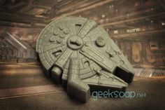 Smuggler's Starship - GEEKSOAP