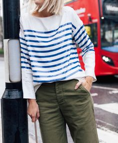 National Stripes Day - The Frugality The Frugality, Dedicated Follower Of Fashion, Khaki Jeans, London Girls, Trouser Outfits, Stripes Fashion, Petite Fashion, Casual Fall, Striped Tee