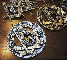 Masonic Car Emblems Masonic Car Emblems, Masonic Art, Masonic Lodge, Masonic Symbols, Aleister Crowley, Eastern Star, Freemasonry, Historical Art, Knights Templar