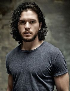 "A page for describing Creator: Kit Harington. Christopher Catesby ""Kit"" Harington (born 26 December 1986 in London, England) is an English actor who rose to … Kit Harington, Kit Harrington Hair, Jon Snow, Kit And Emilia, Actrices Sexy, King In The North, Hommes Sexy, Valar Morghulis, Avan Jogia"