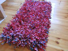 Käsitöitä ja muuta askartelua käsittelevä blogi. Myöskin kukkia sisältä ja ulkoa. Shag Rug, Rugs, Home Decor, Shaggy Rug, Decoration Home, Carpets, Interior Design, Rug, Home Interior Design