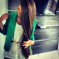 green blazer, belt, and sparkly shirt. forget about the clothes,i just want her hair. Estilo Fashion, Fashion Mode, Look Fashion, Fashion Beauty, Womens Fashion, Fashion Design, Looks Style, Style Me, Spring Summer Fashion