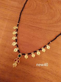Gold Bridal Jewellery Sets, Real Gold Jewelry, Gold Jewelry Simple, Indian Jewelry, Jewelry Design Earrings, Gold Earrings Designs, Gold Jewellery Design, Beaded Jewelry, Peacock Rangoli