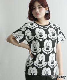 WEGO LADY'S(ウィゴーレディース)の∴WEGO/ミッキー 総柄Tシャツ(Tシャツ/カットソー)|ブラック