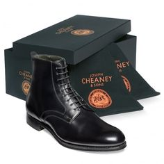 Cheaney Shadwell Mens Black Calf Leather Chukka Boots, Made in Northamptonshire, England Brogue Chelsea Boots, Oxford Boots, Leather Chukka Boots, Women Oxford Shoes, Black Chelsea Boots, Calf Leather, Black Leather, Leather Buckle, Gentlemans Club