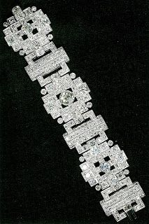 Queen Elizabeth II wedding gift (from Prince Philip) bracelet. How wonderful to get married and get all kinds of jewels~ just fabulous!