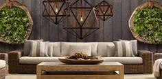 Mooi de muur   met steigerhouten   planken de mooie lampen het bloemstuk ... Perfect ... voor meer inspiratie ga naar de bron........