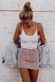Street style look com body branco e saia rosa. - - Street style look com body branco e saia rosa. Mode Outfits, Trendy Outfits, Casual Summer Outfits Women, Cute Outfits For Summer, Summer Fashions, Tumblr Summer Outfits, Party Outfit For Teen Girls, Casual Party Outfit Teen, School Outfits