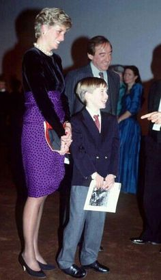 December Diana Princess Of Wales Patron London Symphony Orchestra Attending A Christmas Music Concert At The Barbican Centre With Her Son Prince William.