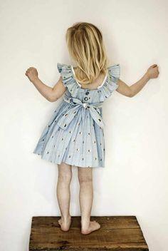 Sweet little girls dress. Looks like a dress that would get so ...