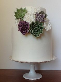 Wedding Cakes with Suculents | Succulents - a modern wedding cake