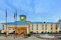 http://www.freehotelcoupons/hotels/MS  Holiday Inn Express South Haven, MS
