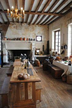 Tuscan design – Mediterranean Home Decor Classic Kitchen, Rustic Kitchen, Kitchen Decor, Kitchen Ideas, Kitchen Designs, Kitchen Hacks, Diy Kitchen, Kitchen Cabinets, Minimal Kitchen