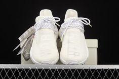 Adidas Nmd R1, Hot, Sneakers, Fashion, Tennis, Moda, Slippers, Fashion Styles, Sneaker
