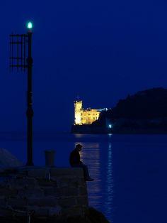 Silenzi dell'alba by Andy65  Il porticciolo di Barcola e il Castello di Miramare (Trieste)