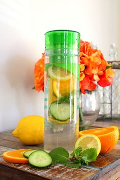 Natural Belly Slimming Detox Water: (for one 24 oz serving) – 3-5 slices of fresh cucumber – 1/2 small lemon sliced – 1/4 of orange sliced – a few fresh mint leaves – 24 oz of ice cold water