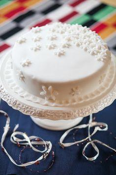 Recept na prima dort - K dozdobení podle nálady a vkusu použijte i stříbrné perličky nebo jedlé flitry; Jakub Jurdič Vanilla Cake, Food, Essen, Meals, Yemek, Eten