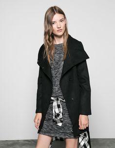 Bershka Italy - Cappotto di lana con collo a cratere e cintura