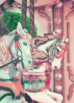 FREEBIES // VINTAGE CARNIVAL PRINTS - Oh So Lovely Blog