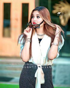 Stylish Girls Photos, Girl Photos, Cute Girl Pic, Cute Girls, Think Big, Girls Dp, Actress Photos, Photo Poses, Most Beautiful