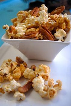 Vegan Caramel Corn. YUM! May have to make this for the work week at the salon. #Earthbalance