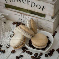 Порою жизнь — это исключительно вопрос наличия чашечки кофе, а также того уединения, которое она даёт. Ричард Бротиган