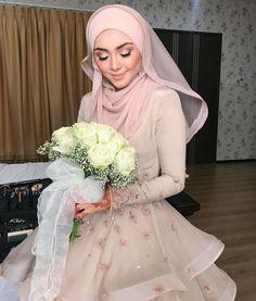 Bridal Hijab Styles, Muslim Wedding Dresses, Muslim Brides, Muslim Dress, Wedding Attire, Bridal Dresses, Wedding Gowns, Wedding Hijab, Lace Wedding