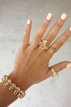 SABO SKIRT Skull Head Stretch Bangle - (No Colour Specified) - 10.0000