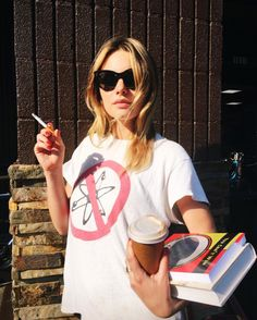 les petites pestes lppmag to watch - camille rowe on Vogue Carrie Bradshaw, Camile Rowe, Camille Rowe Style, Women Smoking Cigarettes, Yves Saint Laurent, Vogue, Foto Instagram, Girl Smoking, Parisian Chic