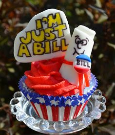 "Sweetology: School House Rock Cupcake ""I'm Just a Bill"""