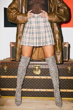 's Vintage Queen Fashion Art, Autumn Fashion, 90s Models, Vintage Love, Keep Warm, Coco Chanel, Fashion Addict, Cloths, Peeps