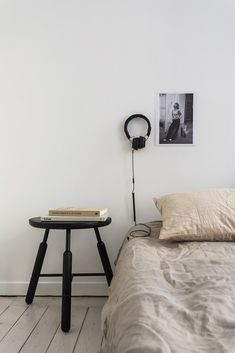 Was ist ein Minimal Home? Ganz einfach: ein aufgeräumtes Zuhause. Befreit Euer Haus und Heim von allem, was dort nicht stehen, liegen oder verstauben sollte.  Roomed/Fantastic Frank #tadah #itsamomsworld #mothermag #magazin #mamablog #motherhood #lifewithkids #swissmom #swissblog #slowliving #theartofslowliving #buylesschoosewell #minimalhome