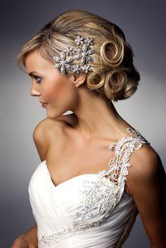 beautiful hair and one-shoulder wedding dress combination. So elegant!!