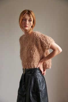 Loopy Mango - Puff Sleeve Top - Mohair Hand Knit in the USA with our Mohair So Soft yarn Super K Knitwear Fashion, Knit Fashion, Look Fashion, Fashion Outfits, Fashion Trends, Loopy Mango, Mango Tops, Mohair Sweater, Top Pattern