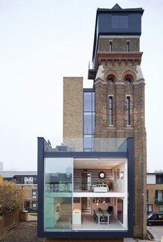 Hergebruik van een bestaand gebouw resulteert vaak in bijzondere en onverwachte oplossingen. Deze watertoren in Londenis  omgebouwd to...