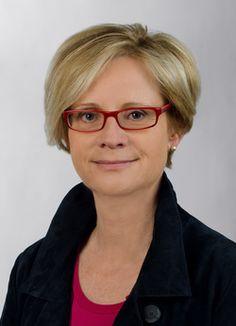 Dr. Elisabeth Frasnelli ist die neue Leiterin der Universitäts- und Landesbibliothek (ULB) Tirol. Public Relations, Faces, The Face, Face