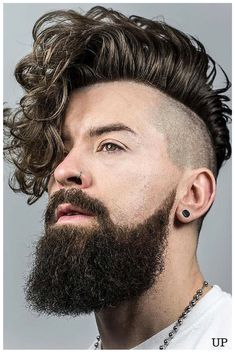 It even looks good on guys, MA gawd I want to cut ma hairs so bad!!