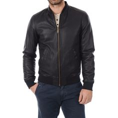"""Leather Jacket replica of the leather jacket that is presented in the Tom Cruise movie """"Minority Report"""". Made with real sheep leather."""