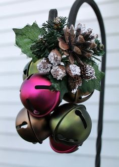Ideas To Use Jingle Bells In Christmas Décor | DigsDigs