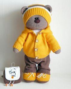 Watch This Video Incredible Crochet a Bear Ideas. Cutest Crochet a Bear Ideas. Crochet Amigurumi, Crochet Teddy, Crochet Bunny, Cute Crochet, Amigurumi Doll, Crochet Crafts, Crochet Projects, Knitted Dolls, Crochet Dolls