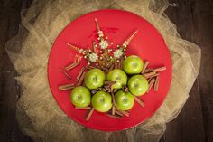 Ideia para uma mesa de Natal linda. #louças #gres #natal #mesa de natal #ekozinha #decoração