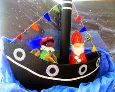 Stoomboot van vilt Felt House, Nature Table, Winter Activities, Winter Holidays, Doll Toys, Wool Felt, Decoration, Little Ones, December