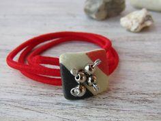 Hand made bracelet with raw ceramic plaque, bijoux ceramic jewelry, raw ceramic bracelet, hand made jewelry, elastic tissue bracelet