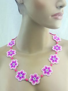 ★ MATERIALS ★ Necklace is made with Czech Glass Beads and strong nylon thread. ★ MEASUREMENT ★ inches- Width= All my creations are handmade in a smoke free home. Flower Necklace, Crochet Necklace, Beaded Necklace, Necklaces, Collar Redondo, Loom Beading, Czech Glass Beads, Bead Art, Pink Flowers