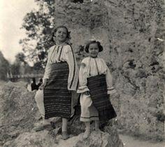România mea: Începuturile fotografiei etnografice. Iosif Berman Old Photographs, Henri Matisse, Romania, Couple Photos, Couples, Mai, Roots, Couple Shots, Couple