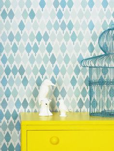 the wallpaper, the birdcage, the colors!!