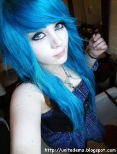 thick long scene hair | Cool Emo Girl Hairstyle 2011 - 2012
