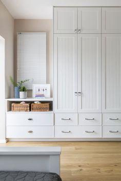 Good Ideas for the Kitchen & Bath Bedroom Built In Wardrobe, Bedroom Built Ins, Bedroom Closet Design, Bedroom Furniture Design, Bedroom Wardrobe, Home Room Design, Home Bedroom, Wall Of Closets, Closet Built Ins